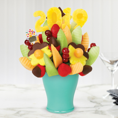 2019 Delicious Daisy® with Dipped Strawberries & Pineapple